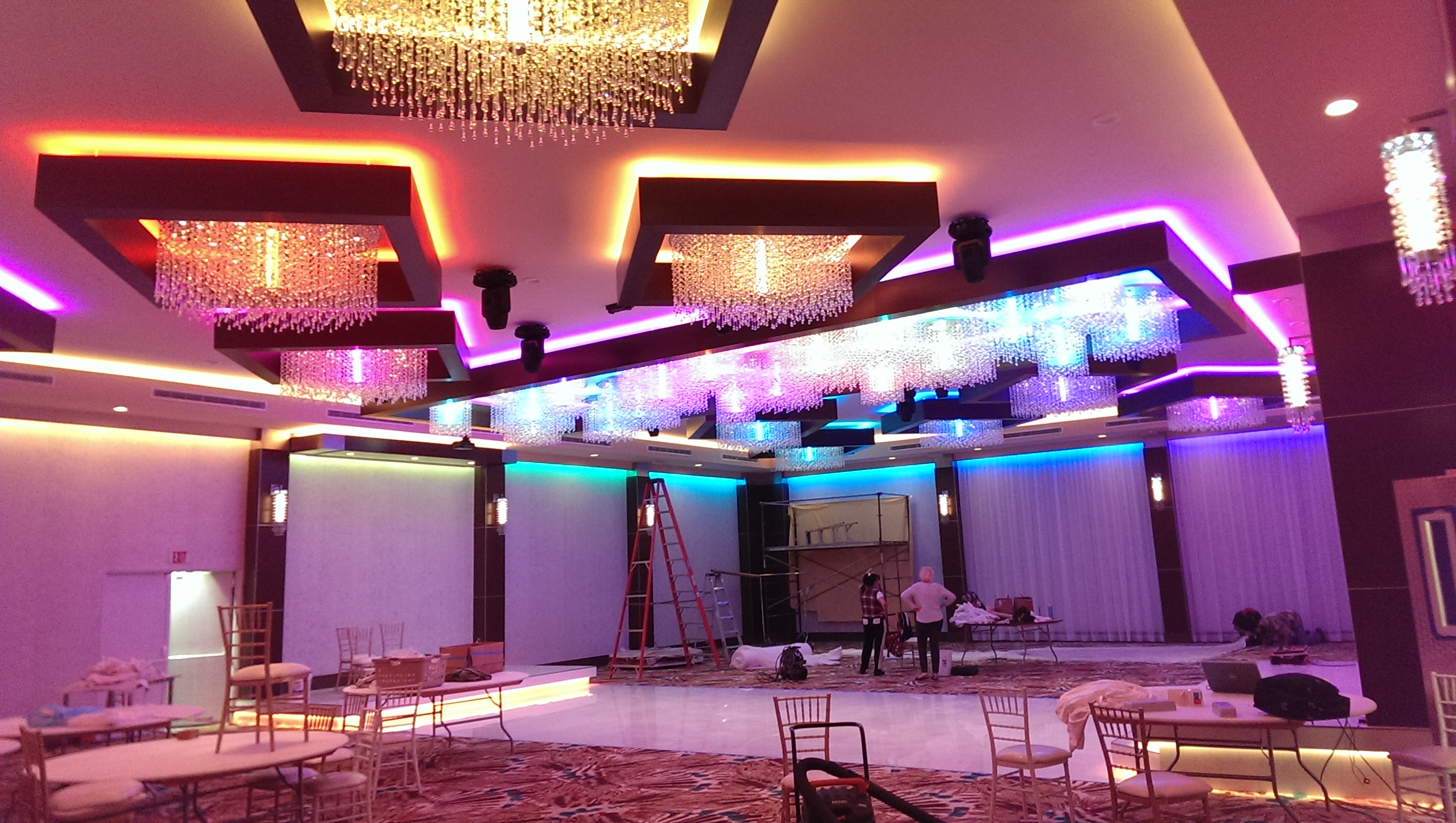 Metropol Classic Banquet Hall Lighting